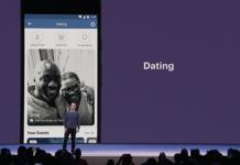 Mężczyzna stojący na scenie, za nim na ekranie smartfon i napis Dating