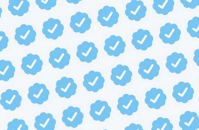 Niebieskie znaki weryfikacji na Instagramie