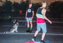 Chłopaki na deskorolkach