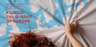 Kobieta ściskająca ręką mapę z Wilnem