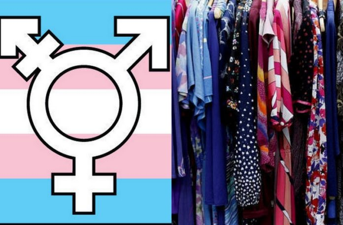 Flaga transgender i ubrania w szafie