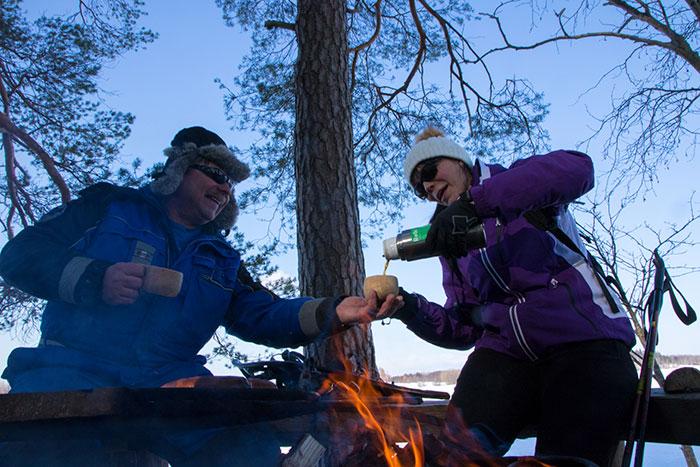 finlandczycy pijący kawę