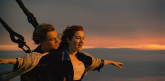 Kobieta i mężczyzna na statku