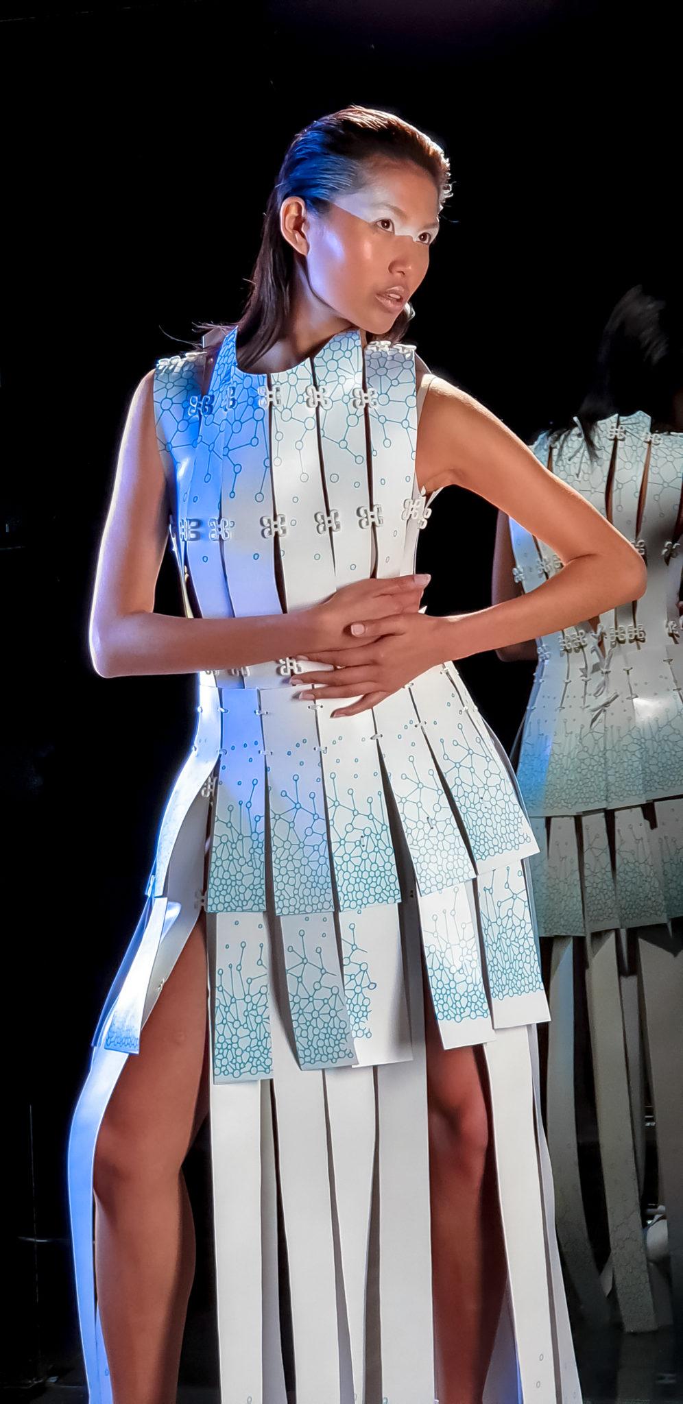 Sukienka zaprojektowana na smartofnie