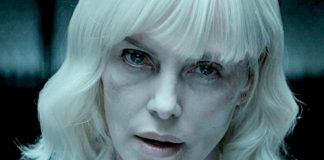 Blondynka z siniakami na twarzy