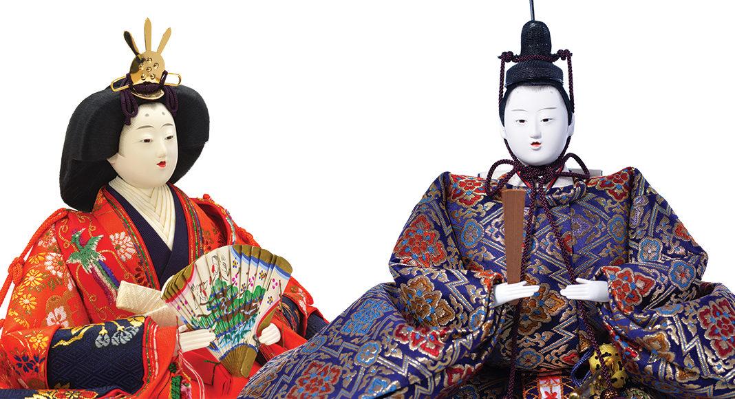 Lalki przedstawiające  japońskie kobiety
