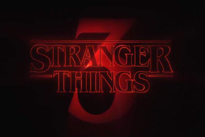 Neonowy napis Stranger Things 3