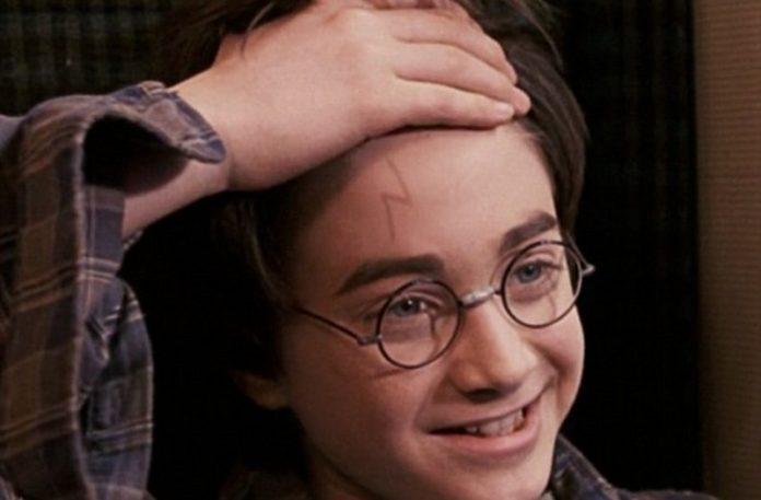 Prawdziwy kształt blizny Harrego Pottera - wyjaśnienie