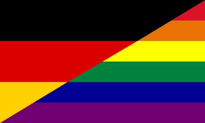 Flaga Niemiec przełamana z flagą LGBT