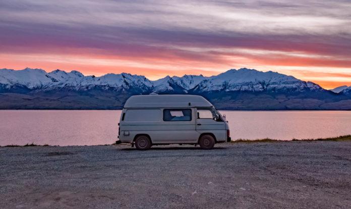 camper, góry, jezioro