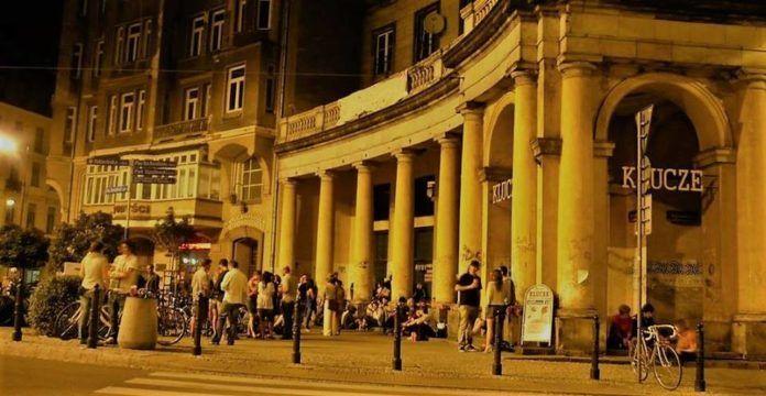 Budynek na Placu Zbawiciela w Warszawie