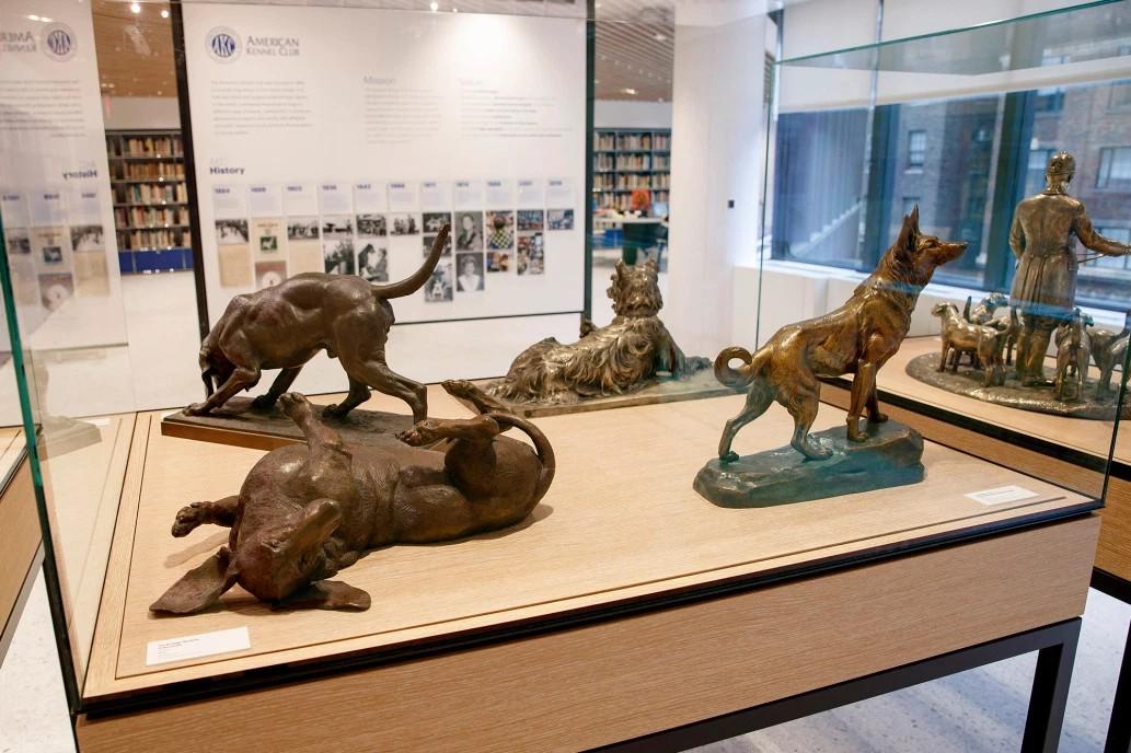 Rzeźby przedstawiające psy