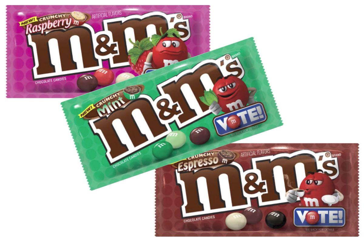 trzy kolorowe opakowania cukierkow