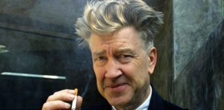 Starszy mężczyzna z papierosem