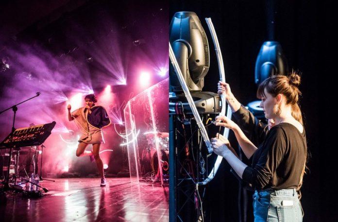Dziewczyna tańcząca na scenie i pomagająca przy montażu sceny