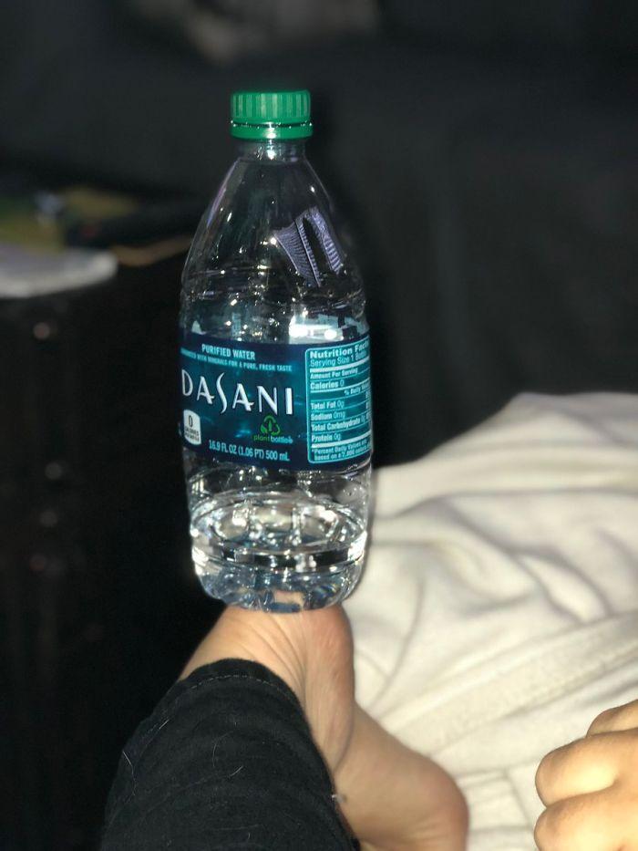 Butelka na pięcie