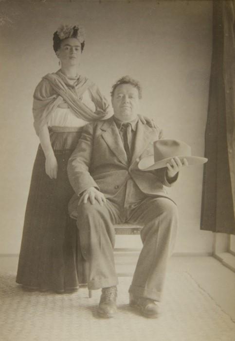 Czarno-biały portert kobiety i meżczyzny