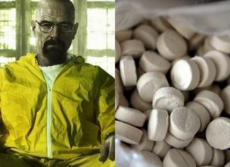 Mężczyzna w żółtym kostiumie i tabletki escasy
