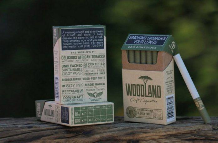 Trzy paczki zielonych papierosów