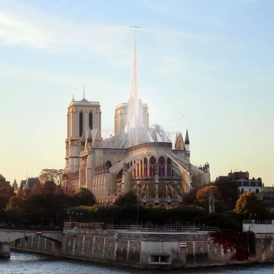 Wizualizacja przedstawiająca odbudowaną katedrę notre dame
