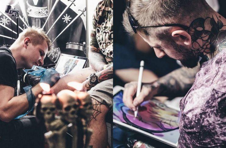Mężczyzna tatuujący i mężczyzna rysujący na tablecie
