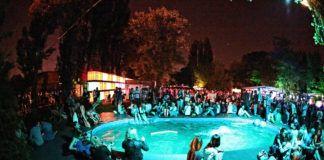Impreza przy basenie