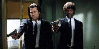 Dwóch mężczyzn z pistoletami