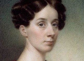 Portret kobiety z brązowymi włosmai