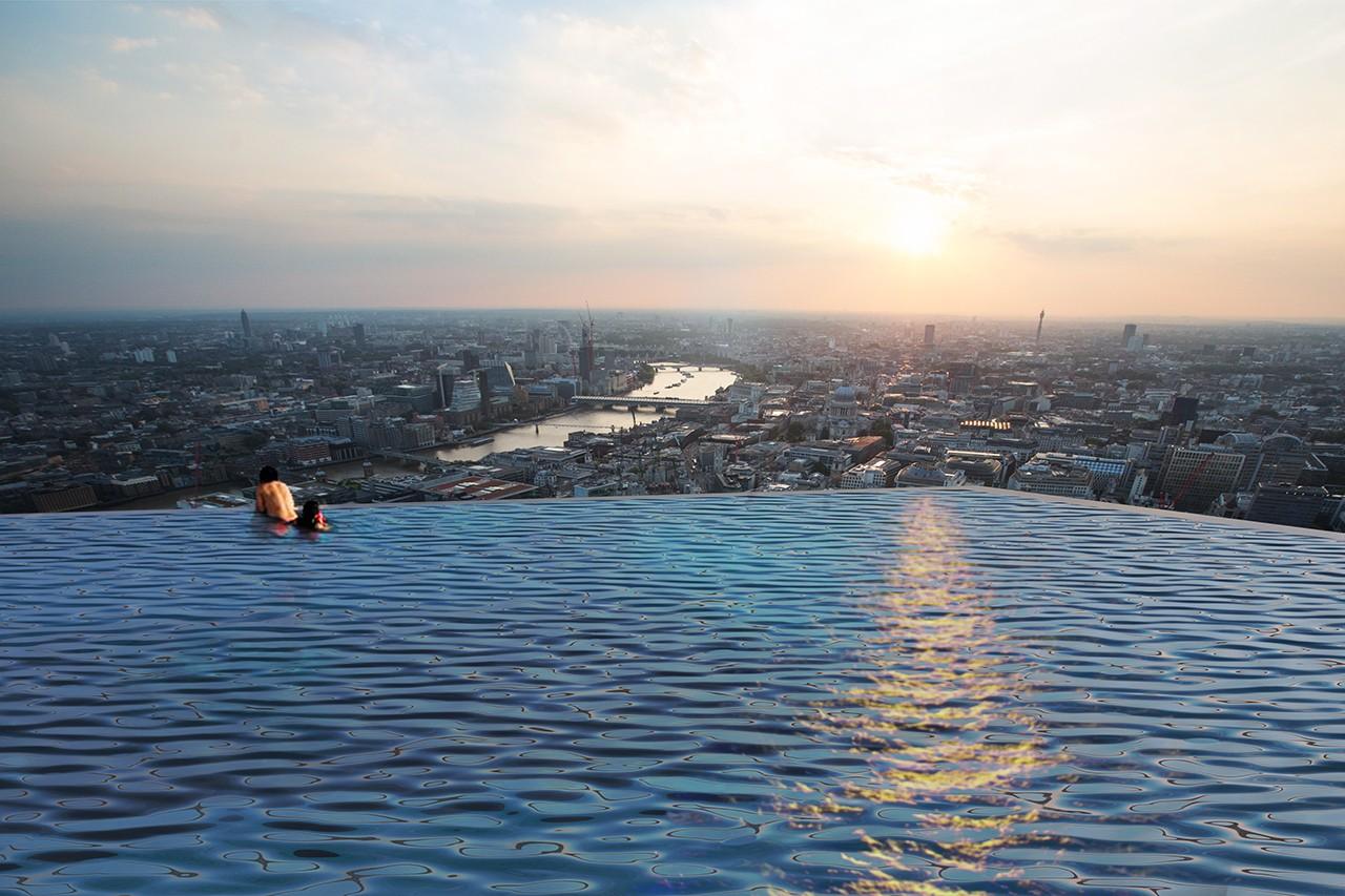Basen bez krawędzi z widokiem na Londyn