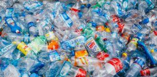 Mnóstwo plasitkowych butelek