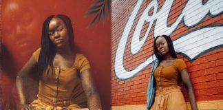 Dwa zdjęcia ciemnoskórej dziewczyny
