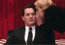 Kobieta mówiąca coś na ucho mężczyźnie