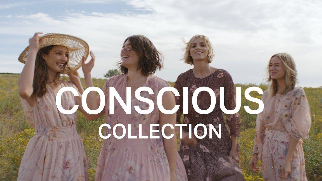 Kobiety ubrane w pastelowe sukienki stoją na polu