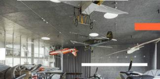 Zabytkowe samoloty w przestrzeni muzeum