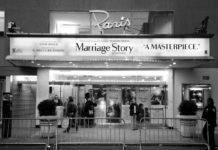 Czarno-białe zdjęcie kina