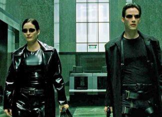 Kobieta i mężczyzna ubrani na czarno w ciemnych okularach