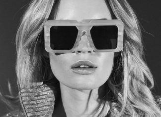Modelka w prostokątnych okularach z lat 70