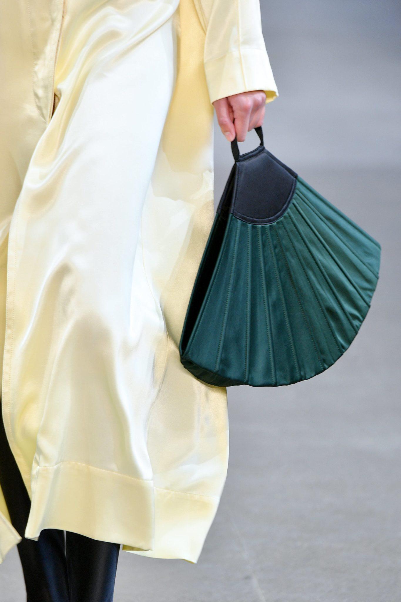 torba w kształcie wachlarza