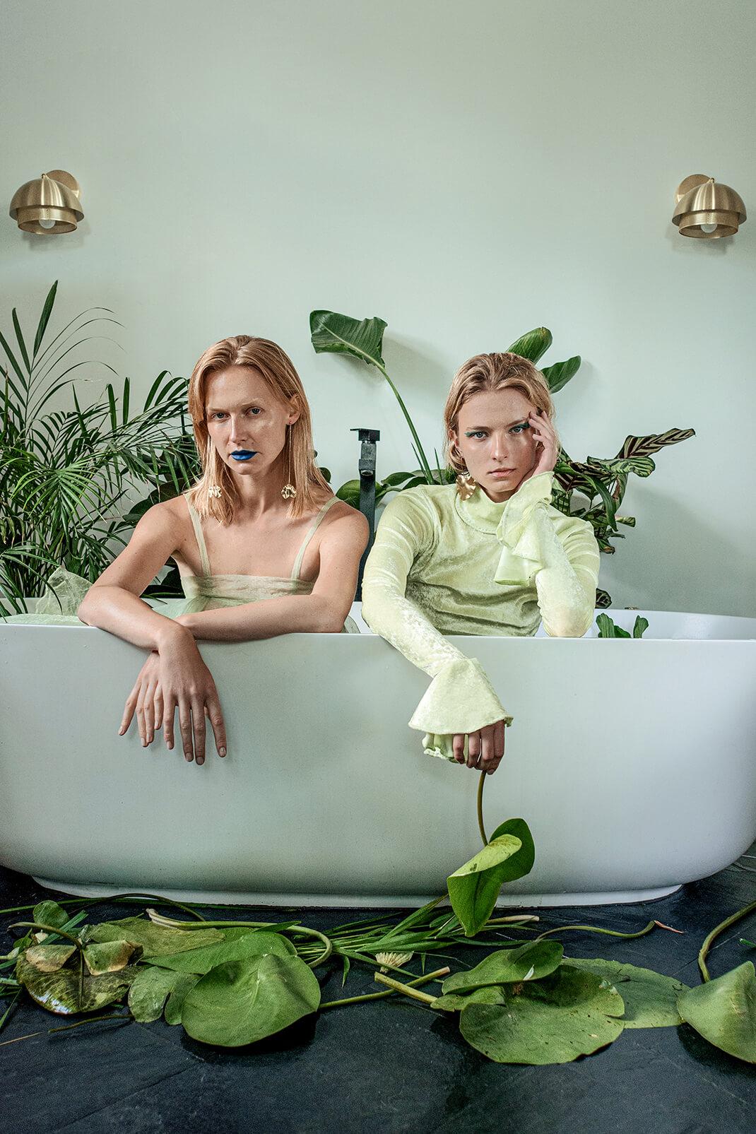 modelki w wannie