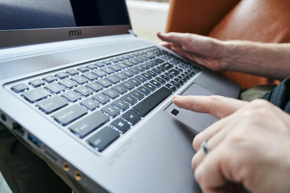 MSI Creator 17 klawiatura laptopa