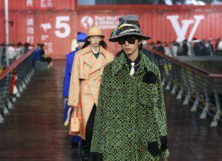 Model na wybiegu Louis Vuitton SS21
