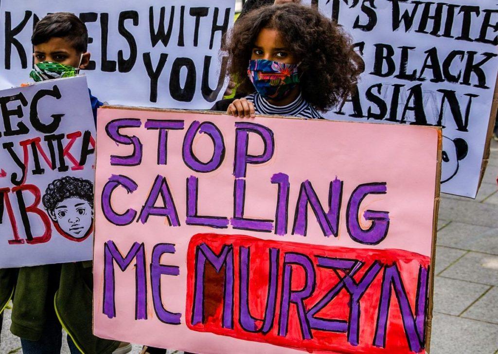 Transparent stop calling me murzyn język kształtuje rzeczywistość