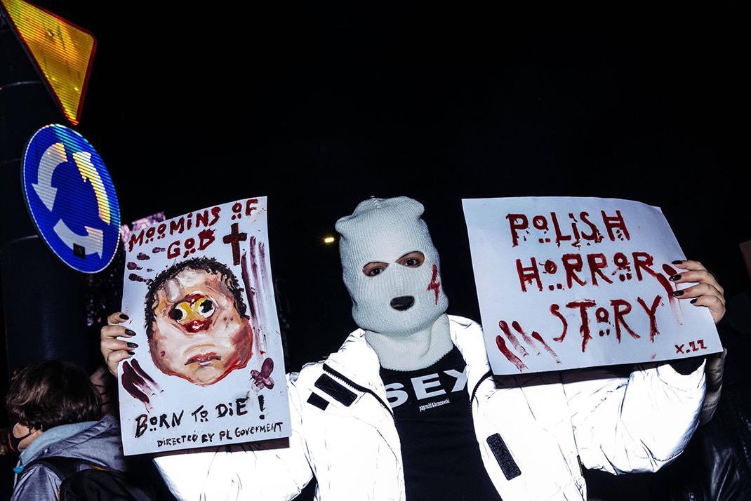 polish horror story strajk kobiet