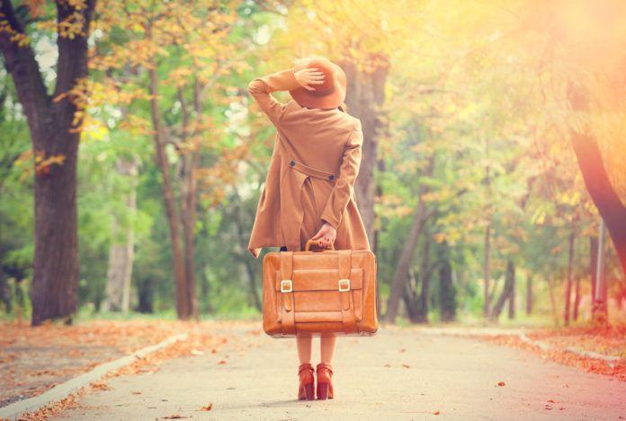 kobieta w jesieni