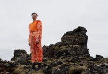 Modelka na wulkanie Islandia