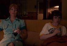 Kadr z serialu 'To nie jest OK'